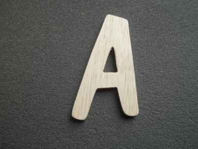 Lettre bois modèle DOM CASUAL
