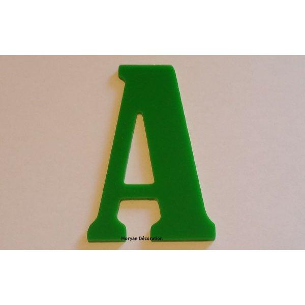Lettre decorative en plexi BERNARD CONDENSED