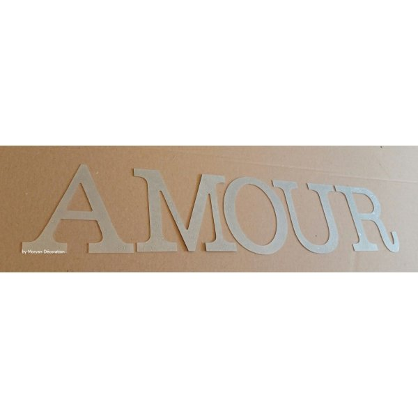 Lettre decorative en zinc AMOUR 30 cm
