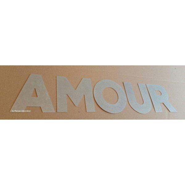 Lettre decorative en zinc AMOUR 10 cm
