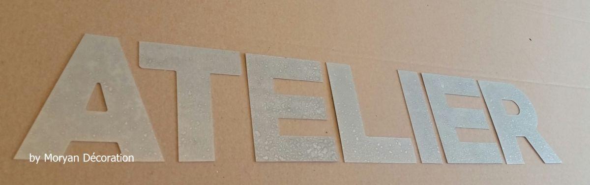 Lettre decorative en zinc ATELIER 10 cm