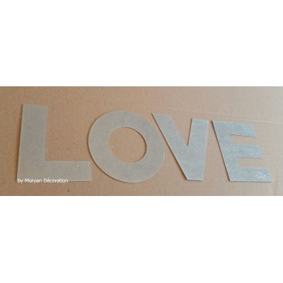 Lettre decorative en zinc LOVE 30 cm