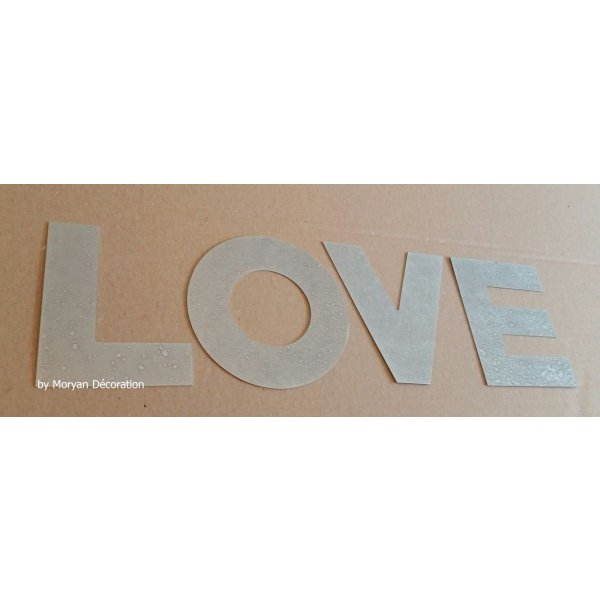 Lettre decorative en zinc LOVE 30 cm
