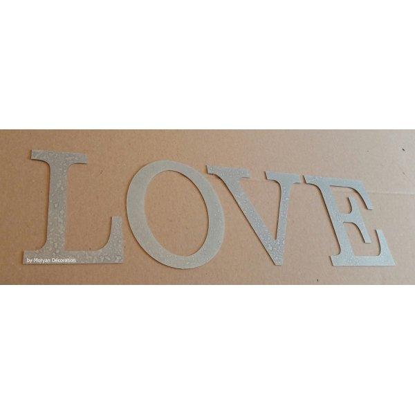 Lettre decorative en zinc LOVE 20 cm