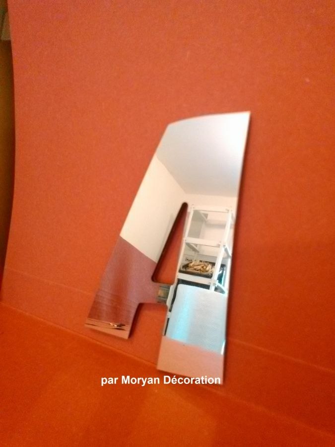 Lettre miroir murale decorative ZOINKS