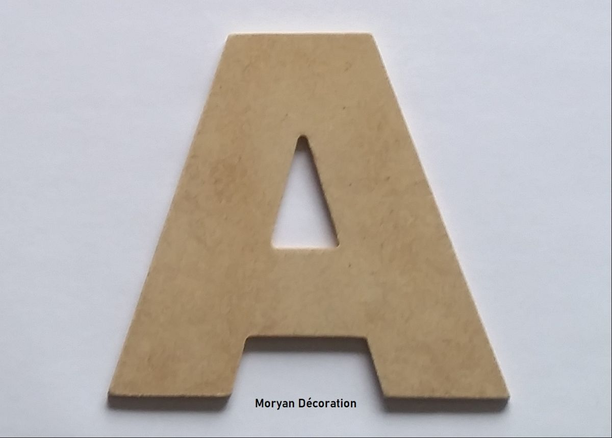 Lettre en MDF brut à peindre modèle ARIAL BLACK