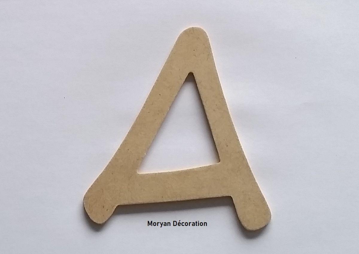 Lettre en MDF brut à peindre modèle ANIME ACE