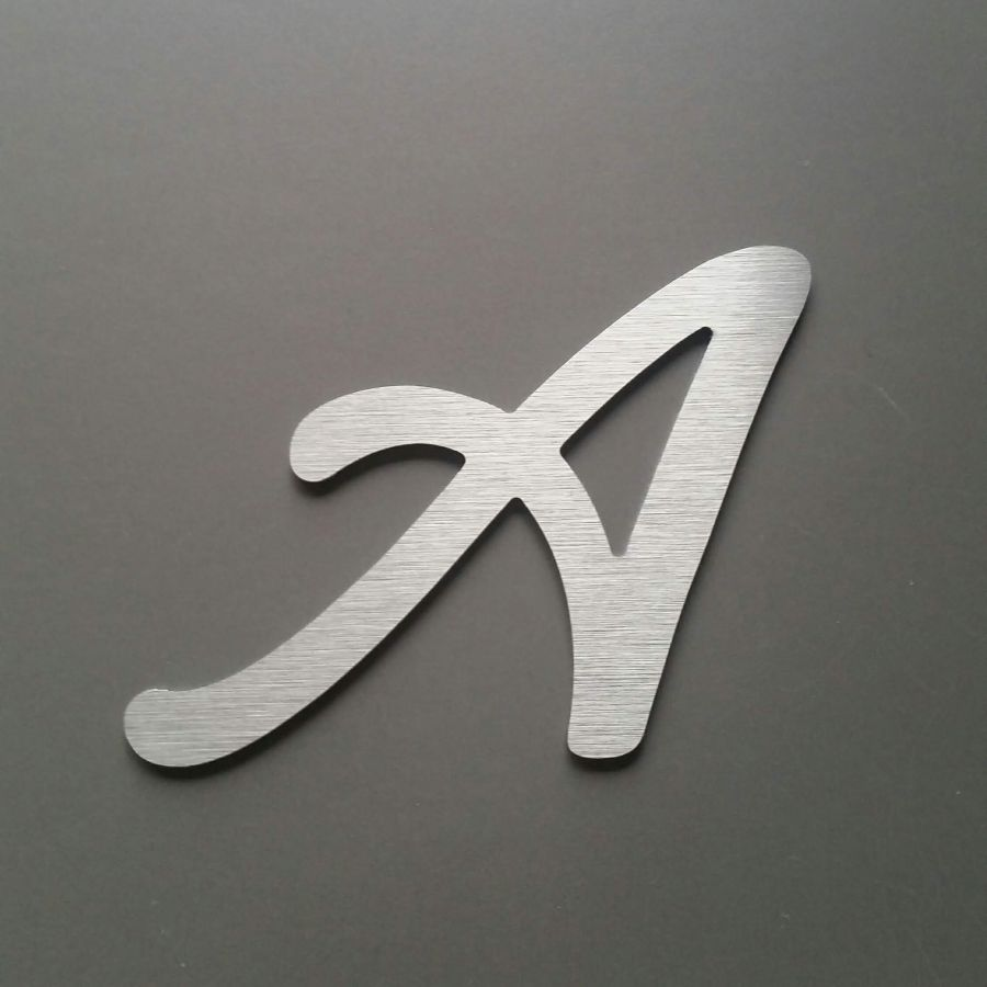 Lettre metal brossé LOMBRIZ