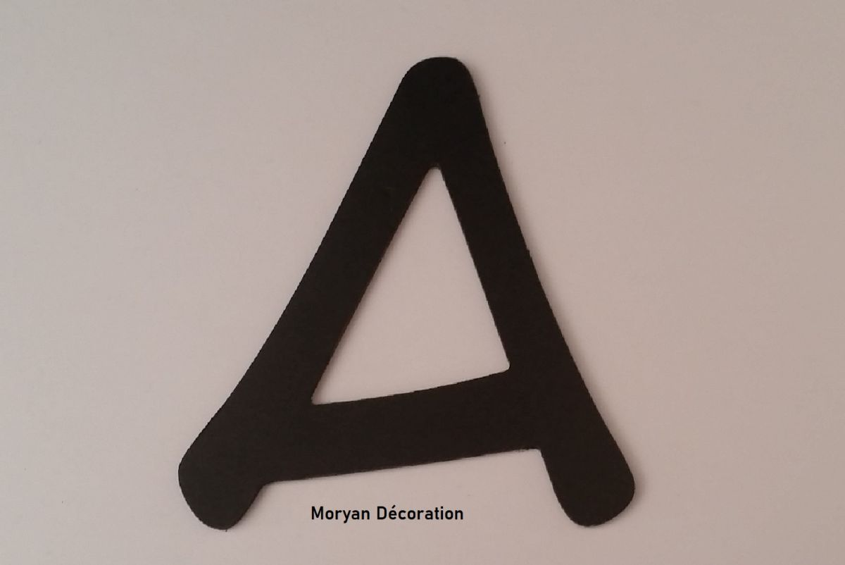 Lettre plastique PVC noir ANIME ACE