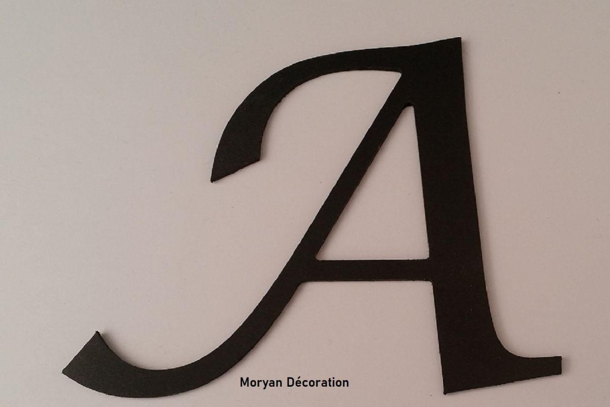 Lettre plastique PVC noir LUCIDA CALLIGRAPHY