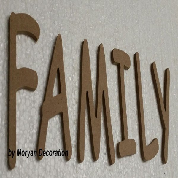 Lettre en bois decorative FAMILY