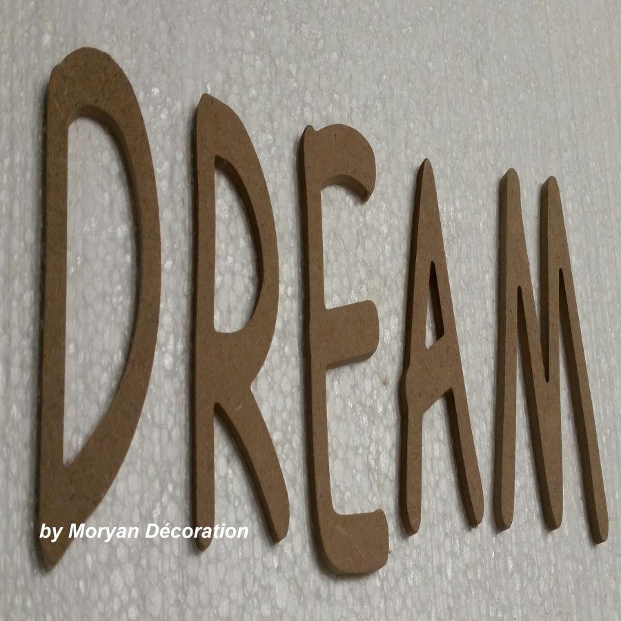 Lettre en bois decorative DREAM