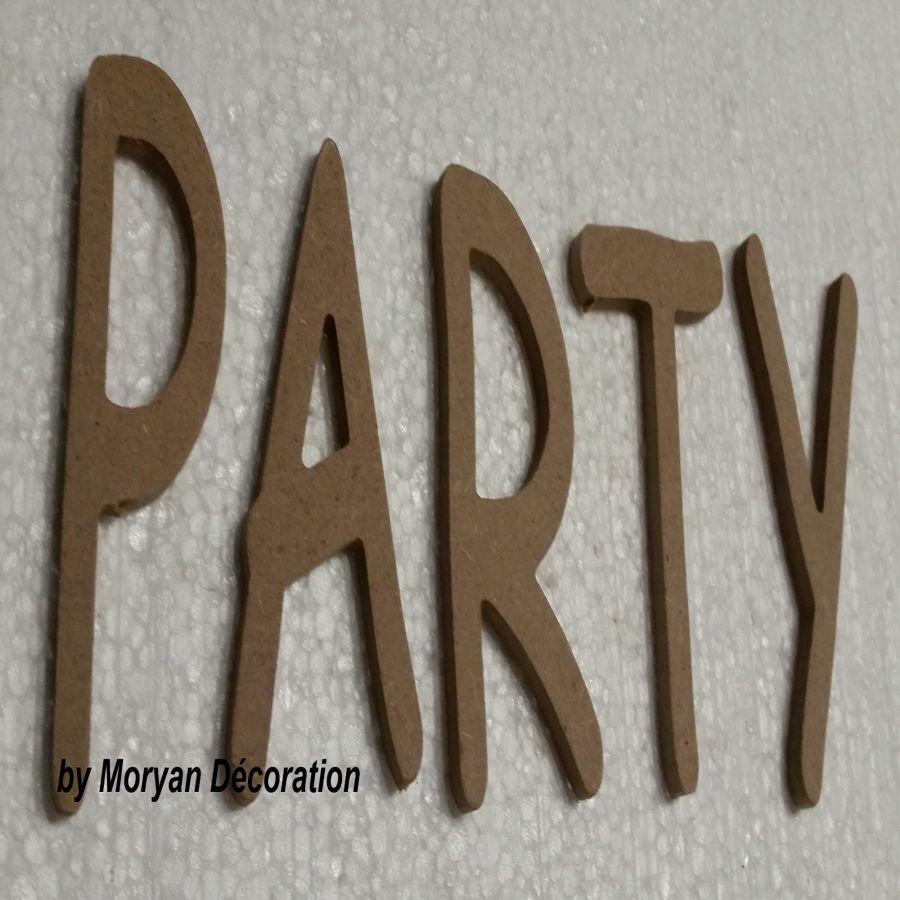 Lettre en bois decorative PARTY