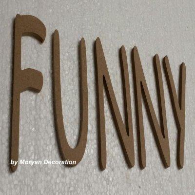 Lettre en bois decorative FUNNY