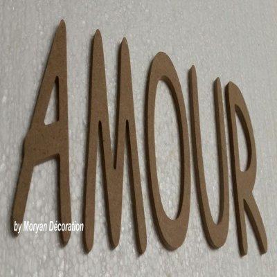 Lettres décoratives en bois à peindre ou à décorer AMOUR