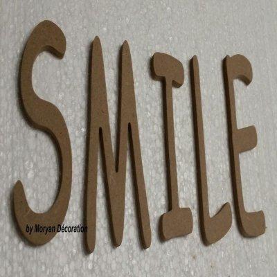 Lettres décoratives en bois à peindre ou à décorer SMILE