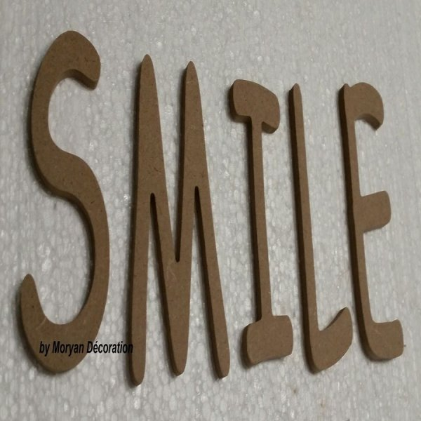 Lettre en bois decorative SMILE
