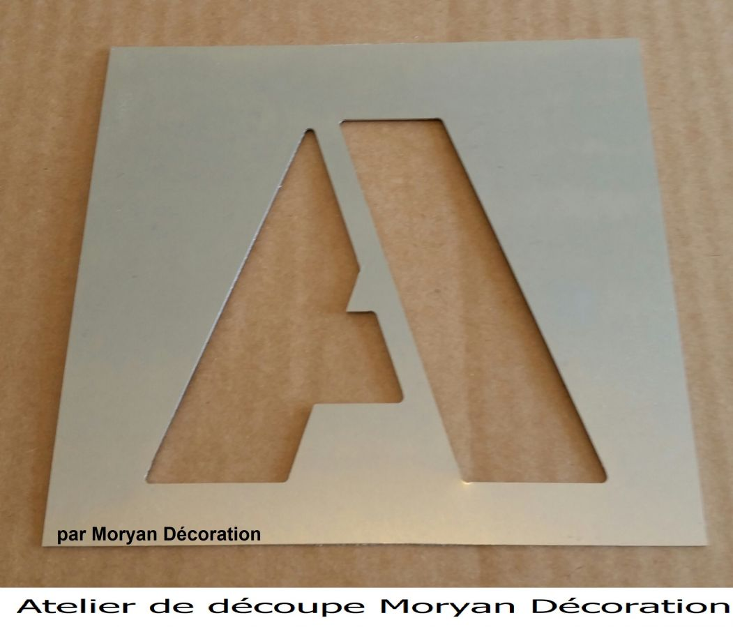 Pochoir lettre métal zinc modèle ARIAL BLACK