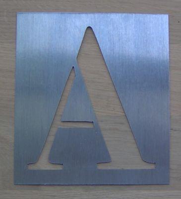 Pochoir lettre métal zinc modèle BODONI