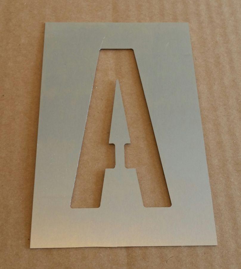 Pochoir lettre métal zinc modèle ALTERNATE