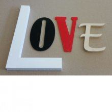 Lettre decorative murale Love
