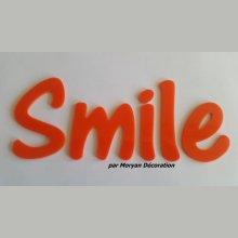 Lettre deco Smile en plexi , hauteur 20 cm