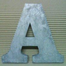 Lettre en relief 3D en zinc  CLARENDON BOLD