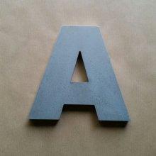 Lettre en relief 3D en zinc ARIAL BLACK